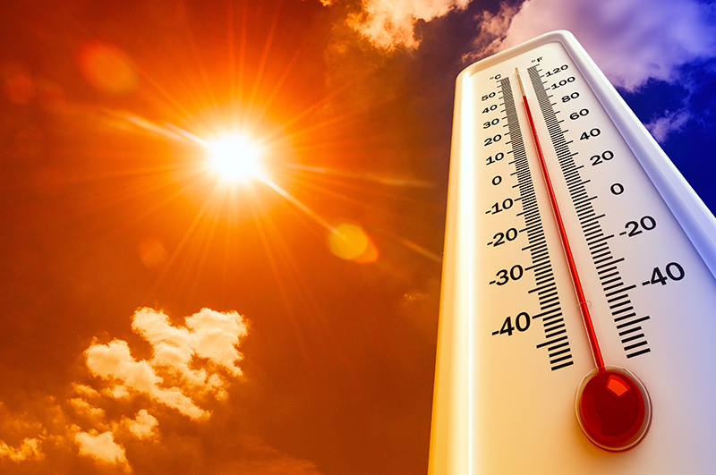 Heat,,Thermometer,Shows,The,Temperature,Is,Hot,In,The,Sky,